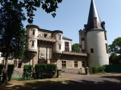 Château de Saint-Cirgues -  This file has no description, and may be lacking other information.  Please provide a meaningful description of this file.