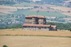 Château de la Fouilhouze - English: Château de la Fouilhouze, commune of Varennes-sur-Usson, Puy-de-Dôme, France