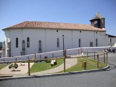 Eglise Notre-Dame de l'Assomption - English: Bidart (Pyr-Atl., Fr) church; foreground:childrens playground