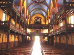 Eglise Saint-Vincent - English: Ustaritz (Pyr-Atl., Fr) church Saint-Vincent-diacre, interior with 2 balconies.