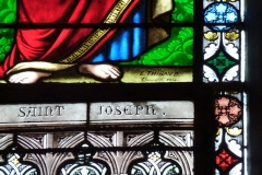 Eglise Saint-Jacques - Deutsch: Katholische Kirche Saint-Jacques in Pau im Département Pyrénées-Atlantiques (Région Aquitaine/Frankreich), Bleiglasfenster mit Signatur E. THIBAUD Clermont/F. 1864, Darstellung: hl. Joseph (Ausschnitt)