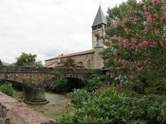 Eglise Saint-Etienne - English:   Bridge and church of Saint-Étienne-de-Baïgorry (Pyrénées-Atlantiques, France).