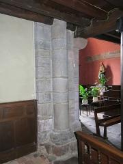 Eglise Saint-Etienne - English:   Roman column reused in the church Saint-Étienne-de-Baïgorry (Pyrénées-Atlantiques, France).