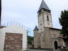 Eglise Saint-Etienne - English:   Facade of the church Saint-Étienne-de-Baïgorry and the fronton (Pyrénées-Atlantiques, France).