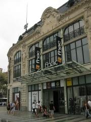 Ancien magasin Aux Dames de France - Català: Antic magatzem Aux Dames de France, a la plaça de Catalunya de Perpinyà, avui FNAC.