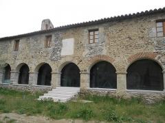 Chapelle de Corbiac - Català: Santa Maria de Corbiac, a Mosset. Claustre