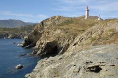 Phare du Cap Béar, situé à la pointe du Cap Béar - English: Vermilion Coast Tracks