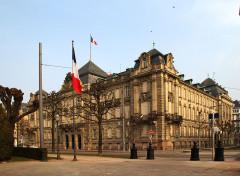 Ancien bâtiment ministériel (ouest) , actuellement Direction régionale des impôts, Direction des services fiscaux du Bas-Rhin (4 place de la République) , Trésorerie générale de la région Alsace et du département du Bas-Rhin (25 avenue des Vosges) - Français:   L'hôtel des impôts