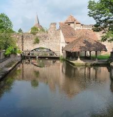 Canal de la Lauter -  ancienne enceinte, écluse, canal de la Lauter