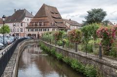 Ancien hôpital dit Maison du sel - Français:   Canal de la Lauter et Maison du Sel, Wissembourg (Alsace)