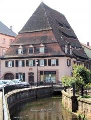 Ancien hôpital dit Maison du sel - Français:   Wissembourg - Maison du Sel et la Lauter