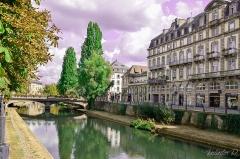 Bâtiments canoniaux - English: Non loin du pont du marché, cette petite vue sur les quai Kléber.