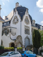 Villa Faist -  Villa du début XXe siècle très intéressante. Elles mêlent la renaissance allemande et l'art nouveau en vogue à l'époque. Ces pignons ondulants sont du plus bel effet. Sa tour éditait digne d'un clocher d'église à sa construction, il a malheureusement été détruit depuis.