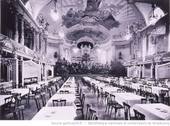 Palais des Fêtes - English: Auditorium of the Palais des Fêtes in 1909, prior to the inauguration of the pipe organ