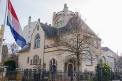 Villa dite Stempel -  Très belle et originale villa notamment avec sa tour de style néo-islamique et ses formes intéressantes renvoyant à l'art nouveau.