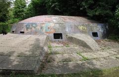 Fortifications allemandes, front nord et nord-ouest - Français:   Caponnière intégrée au rempart urbain édifié à Strasbourg par les allemands sous le Deuxième Reich, près de la gare SNCF