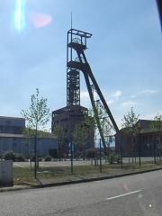 Puits Théodore -  Puit Théodore. Chevalement construit en 1957-1958.