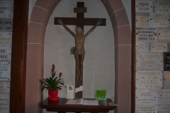 Sanctuaire Notre-Dame de Dusenbach -  Un Christ en bois dont l\'origine remonte au XVe siècle et qui se trouve à l\'entrée de la chapelle de Dusenbach