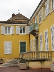 Maison forte - Français:   Maison Forte de Vourles dans le Rhône (escalier et terrasse)