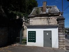 Domaine de Bellerive - Français:   Numéro 29: boîtes-aux-lettres.