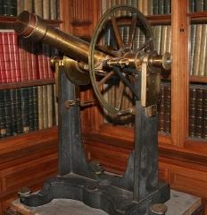 Observatoire -  Lunette méridienne de l'observatoire de Lyon