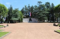 Monument aux morts - Français:   Square de la paix à Mâcon.