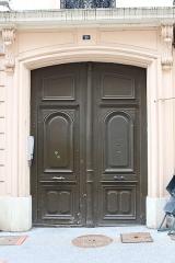Hôtel de Rossan de Davayé - Français:   Porte d\'entrée du 25 rue de la Barre à Mâcon menant à l\'hôtel de Rossan de Davayé.