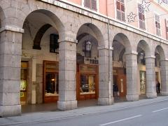 Pâtisserie le fidèle berger - Français:   La rue de Boigne à Chambéry.