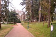 Parc thermal -  Parc floral des Thermes en centre ville d'Aix-les-Bains en France dans le département de la savoie.
