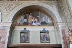 Eglise de Saint-Ferréol située au centre bourg - Français:   Peintures murales de l\'église Saint-Ferréol, représentant l\'un des 7 sacrements de l\'église (ordination).