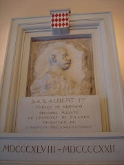 Institut océanographique -  Institut océanographique of Paris. Commemorative plaque in honor of His Majesty Albert 1st of Monaco.