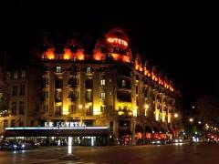 Hôtel Lutétia - English: Le Lutetia Hôtel and bar, in Paris