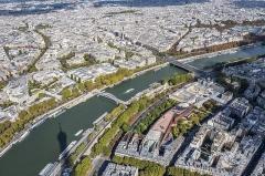 Palais de l'Alma -  Paris from the third floor of the Eiffel Tower towards northeast