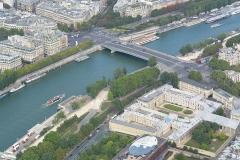 Palais de l'Alma - English: Pont de l'Alma and Palais de l'Alma from the Eiffel Tower.