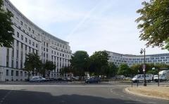 Ancien Ministère de la Marine Marchande - Français:   Place de Fontenoy - Paris VII