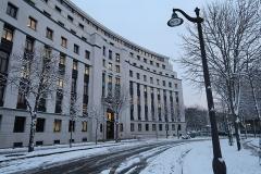 Ancien Ministère de la Marine Marchande - Français:   Place de Fontenoy sous la neige (Paris, 7e).