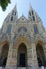 Basilique Sainte-Clotilde et Sainte-Valère -  Basilique Sainte-Clotilde @ Paris  Basilique Sainte-Clotilde, Paris, France.