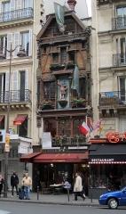 """Brasserie """"Au Roi de la Bière"""" - Jacqueminot-Graff -  U.S. Embassy This is not US Embassy but a restaurant named Au roi de la bière (=Beer's king)"""
