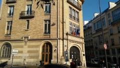 Lycée Jules Ferry - English: Photo de la façade du lycée Jules Ferry, prise du boulevard de Clichy à Paris.