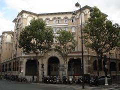 Palais de la Femme -  Palais de la Femme, an hotel for women of the Salvation Army. General view. Address: 84 rue de Charonne; Paris 11. France