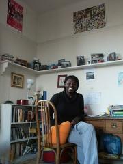 Cité internationale universitaire : Fondation des Etats-Unis - English: Une jeune résidente dans sa chambre à la Fondation des États-Unis.