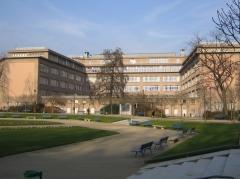 Square Saint-Lambert - Français:   Vue du lycée Camille Sée depuis le square Saint-Lambert