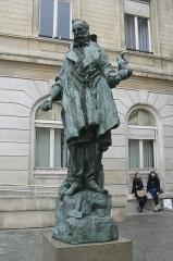 Mairie du 15e arrondissement - Français:   statue de Carpeaux par Bourdelle, située place de la mairie à Paris 15e