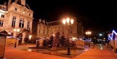 Mairie du 15e arrondissement - Français:   Mairie du 15e arrondissement de Paris à Noël 2012 - Assemblé avec Hugin