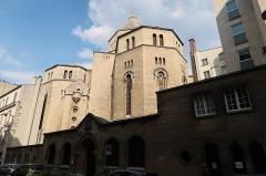 Eglise Saint-Pierre de Chaillot - Arrière de l'église Saint-Pierre-de-Chaillot, 24-26 rue de Chaillot (Paris, 16e).