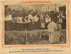 Eglise Saint-Michel dite des Batignolles - Français:   Mgr Chesnelong pose la première pierre de l\'église Saint-Michel des Batignolles en 1913.