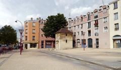 Eaux de Belleville - English: Le Pré-Saint-Gervais, Seine-Saint-Denis, France. Fontaine du Pré-Saint-Gervais.