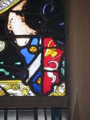 Eglise Sainte-Jeanne-d'Arc - Français:   Détail d\'un vitrail de l\'église Sainte-Jeanne-d\'Arc représentant un blason.