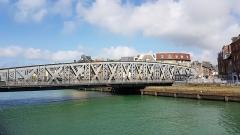 Pont Colbert - Français:   Le pont Colbert (Dieppe, Seine-Maritime) en avril 2017.