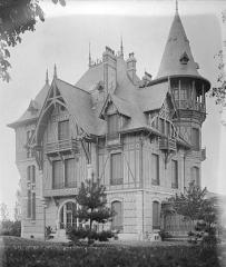 Villa Collin - English: Villa Collin (Fourqueux, France) in 1899.